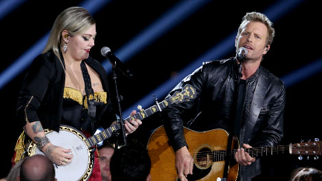 Shure wireless microphones and in-ear systems dominate the stage at 50th CMA Awards in Nashville - News